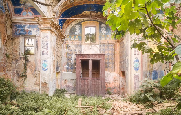 Abandoned_Church_15